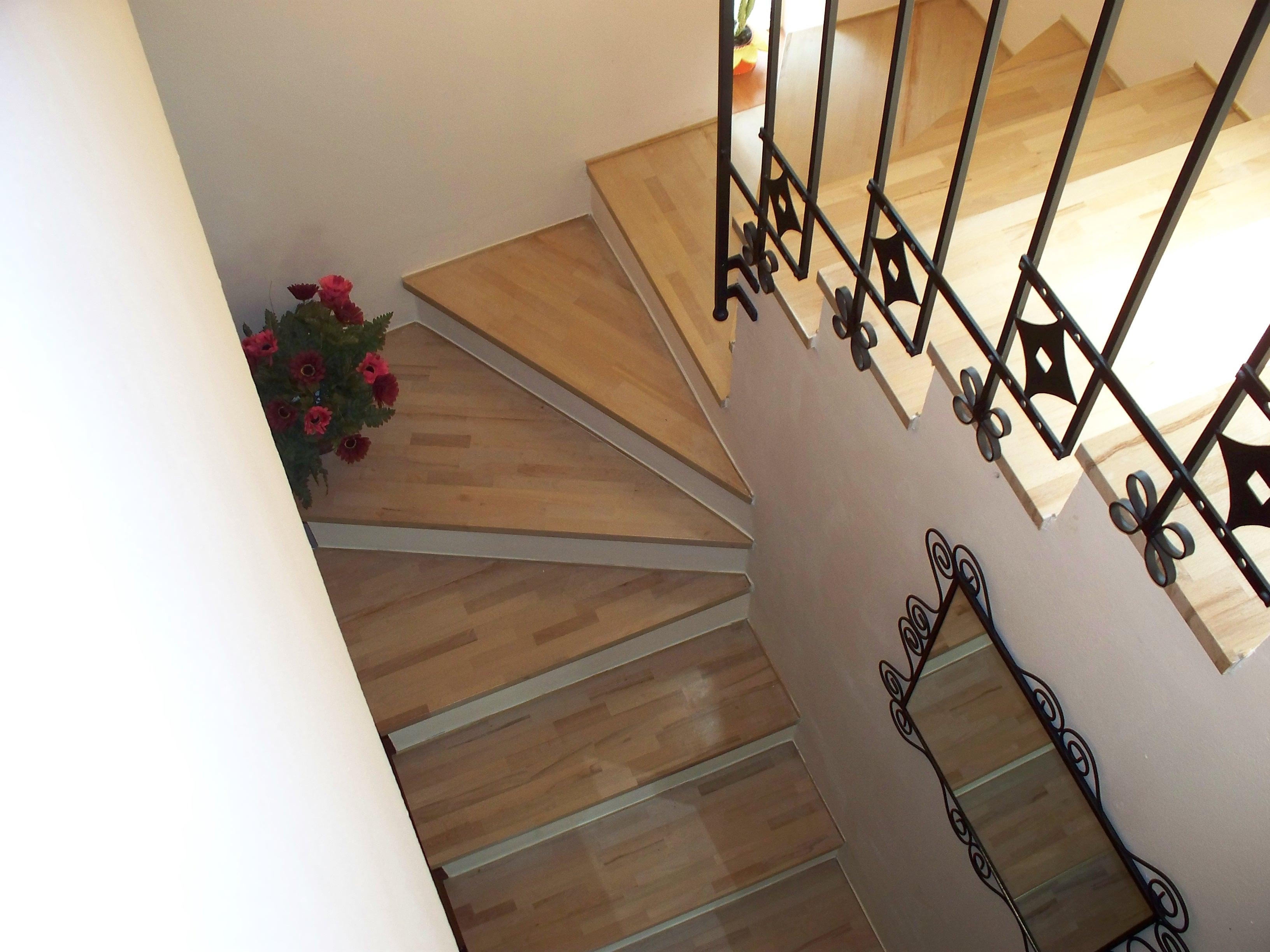 Muratura e interni come faccio a - Piastrelle scale interne ...